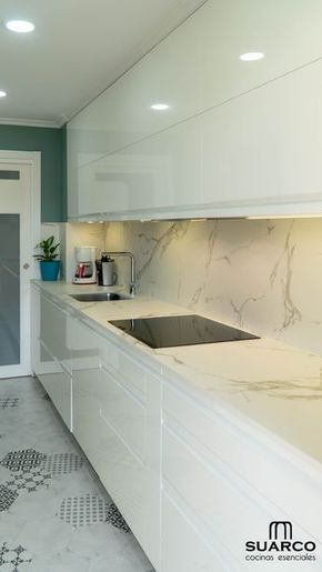 Cocina moderna Blanca !! ALARGADA!! sin tiradores con encimera Dekton Aura