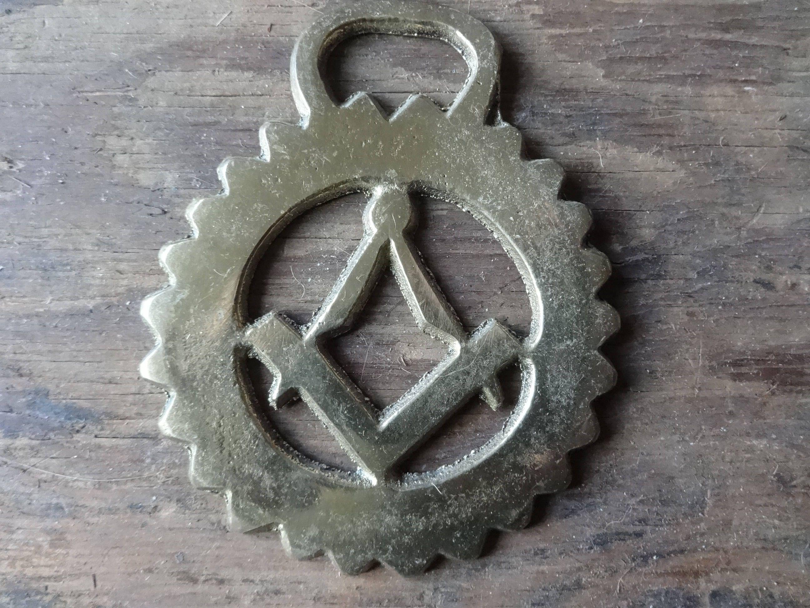 vintage english freemason mason horse brass tack martingale hanging