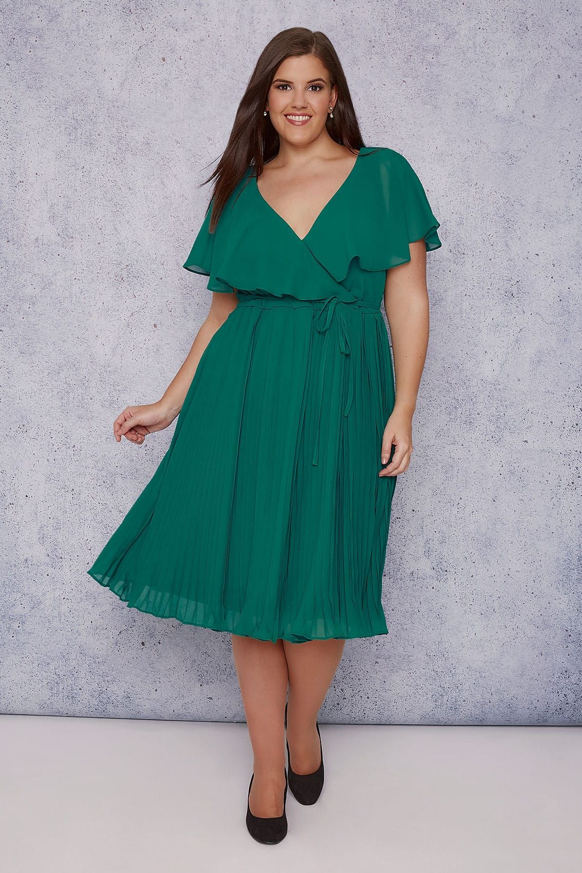 1fa884bb9 SCARLETT   JO Green Chiffon Pleat Skirt Midi Dress With Cape Detail ...