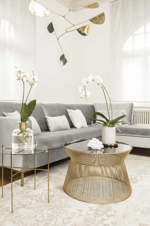 wohnzimmer einrichten grau weiss gold in 2020