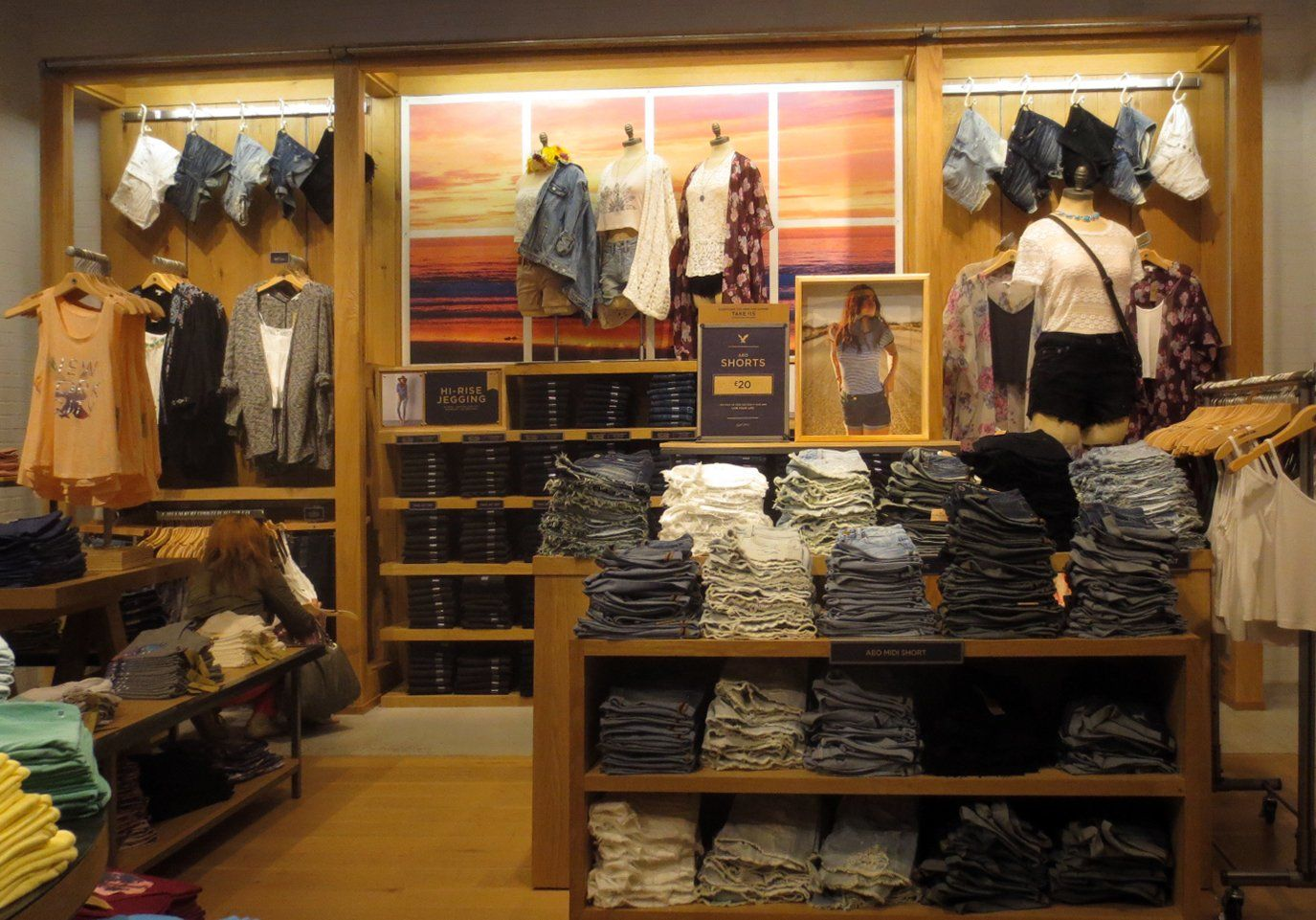 American Home Decor Stores: American Eagle Outfitters