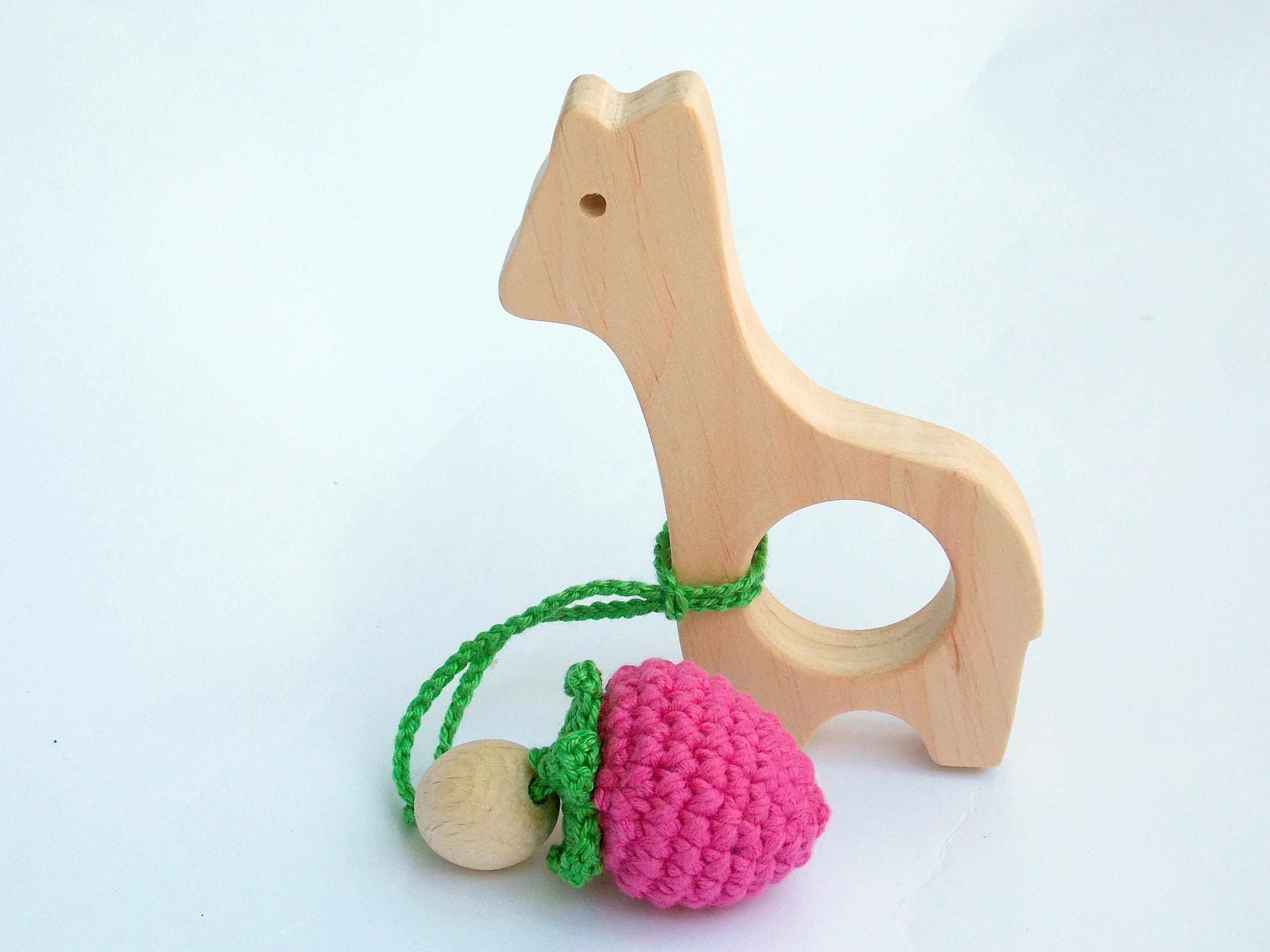 Giraffe teething Wooden Baby Toys Lama with blueberries Baby