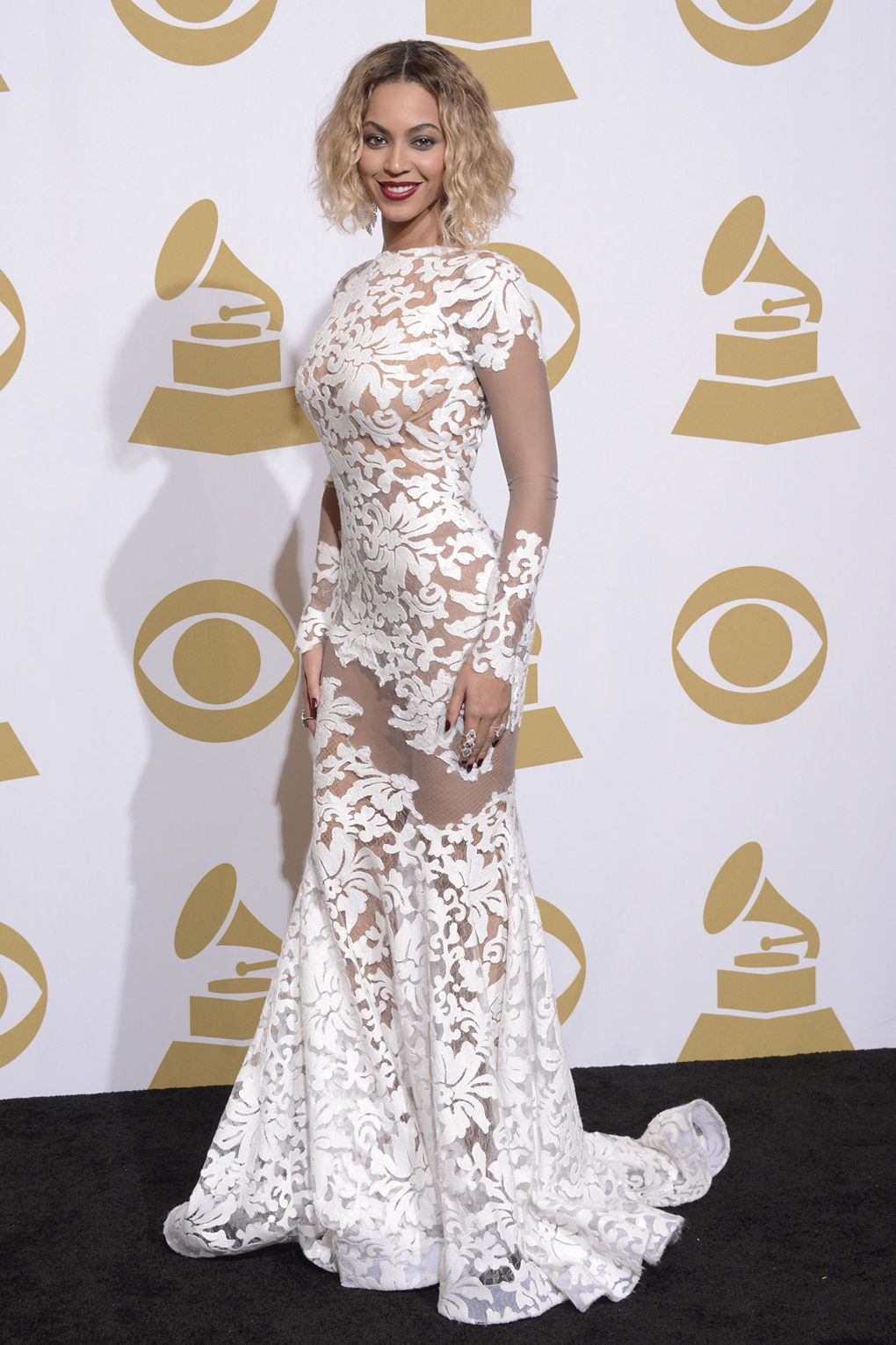 The Most Memorable Grammys Dresses Ever Grammy Dresses Beyonce Grammy Dress Beyonce Red Carpet