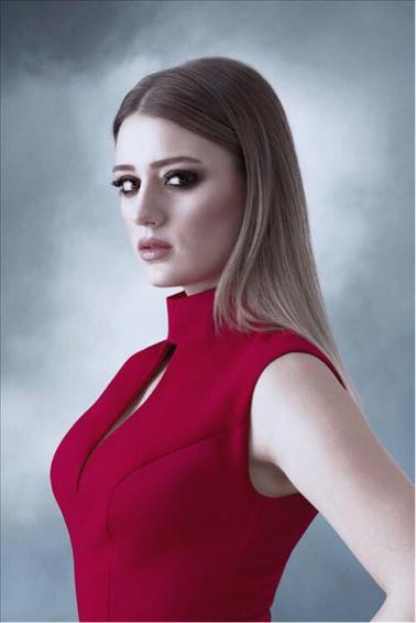 Personazhi Burya Vnutri Menya Unlulerin Tarzlari Aktrisler Yuvarlak Hatli Kadinlar