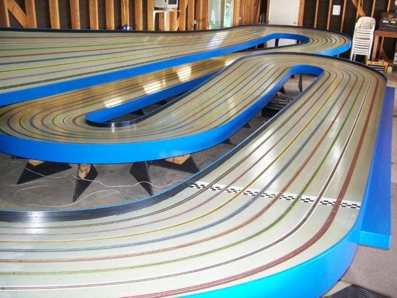 slot car track layouts world 39 s coolest slot car track. Black Bedroom Furniture Sets. Home Design Ideas
