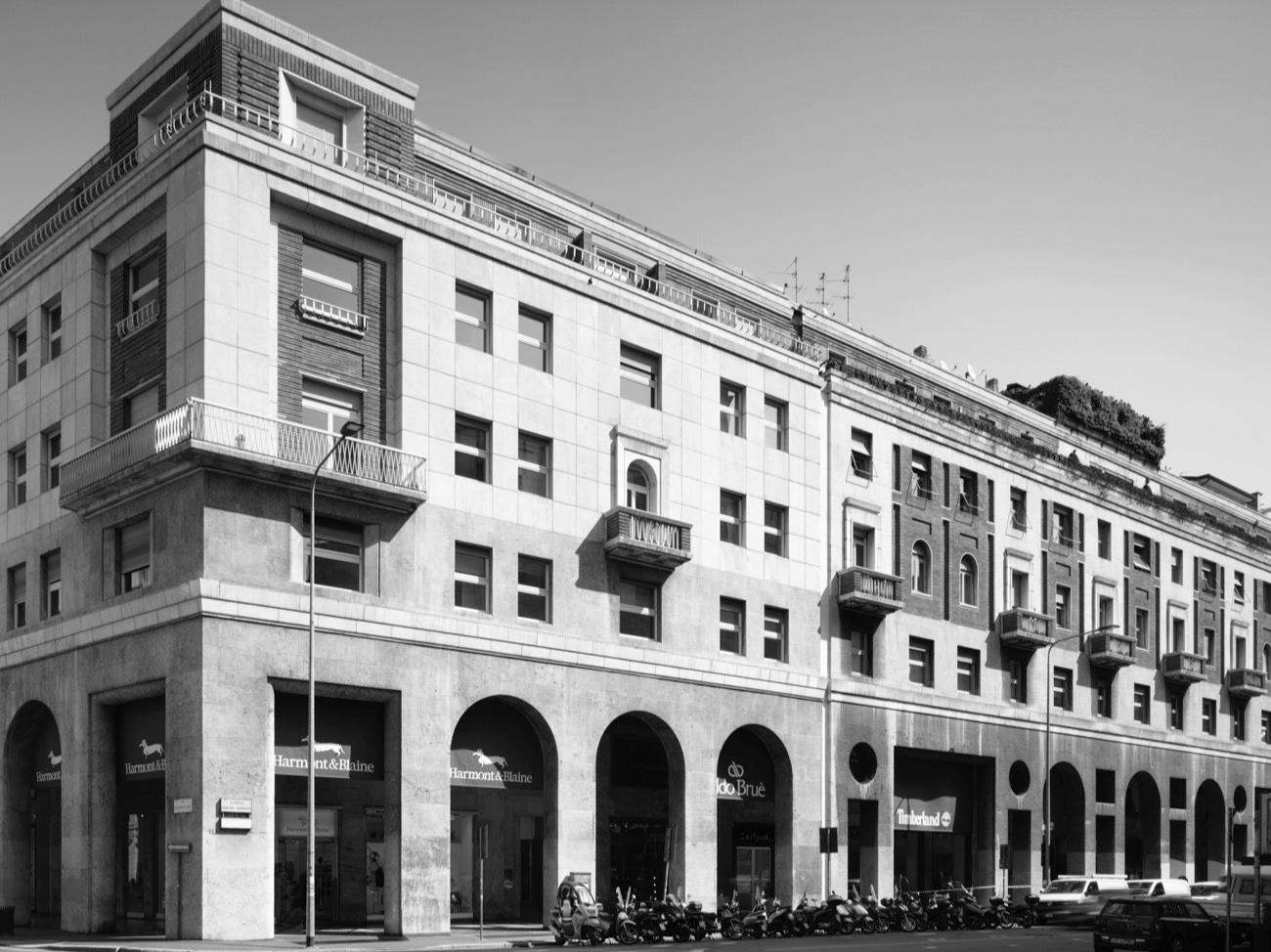 Negozi Per La Casa Milano 1933-1936) casa per abitazioni, uffici e negozi a milano
