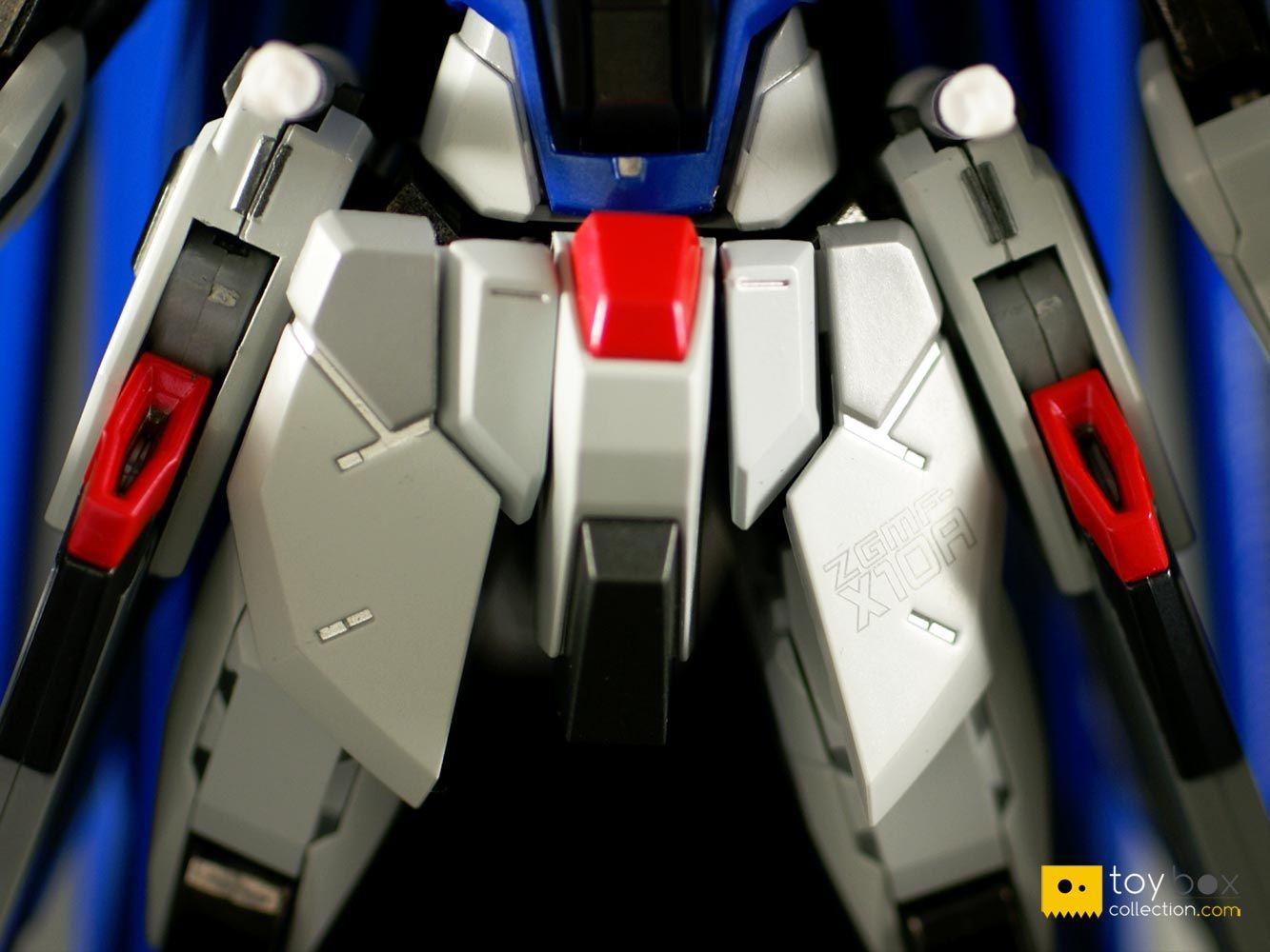 METAL BUILD Freedom Gundam waist apron armour paint and print detail