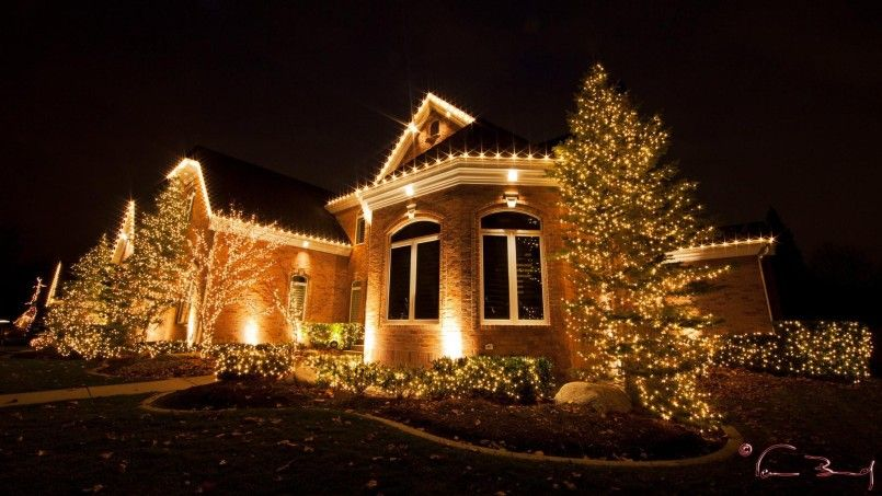 Decorating Modern Homes Interior Design Christmas Lights Ideas For Outside House Outdoor Christmas Lights Christmas Lights Outside Christmas Light Installation