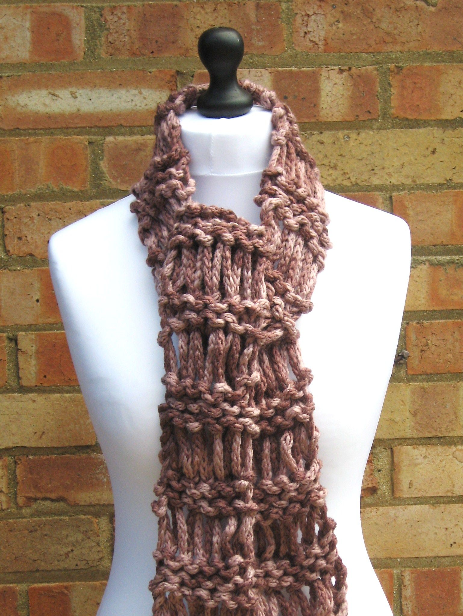 Drop Stitch Ladder Scarf – Free Pattern!