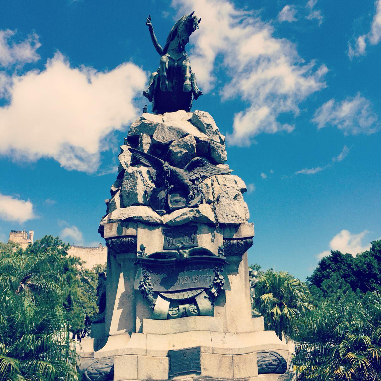 Plaza 25 de mayo - Corrientes