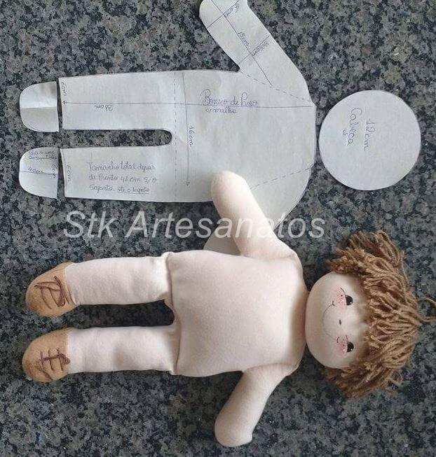 Patrón y DIY para hacer un Muñeco de trapo | Muneca de trapo, Cajas ...