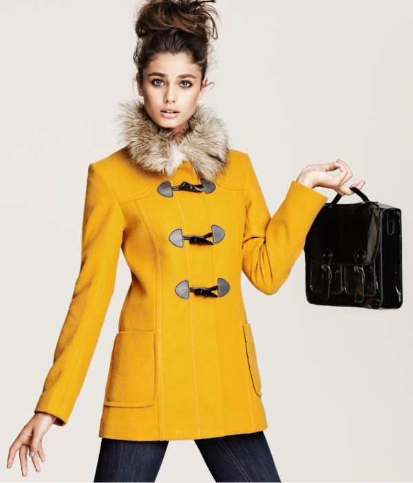 Yellow coat with fur collar and toggles...