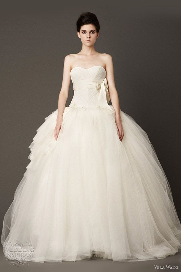 Vera wang wedding dresses fall 2013 pinterest festas de vera wang wedding dresses fall 2013 strapless tulle ball gown junglespirit Gallery