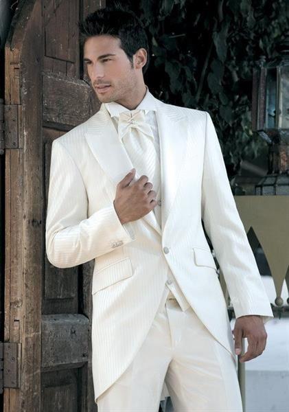 Белый костюм мужской на свадьбу
