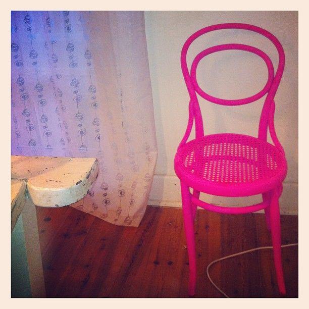 #neonaddict #upcycling #instadesign #design #chair #hotpink #neon #loveneon #neverenoughneon #neveroverthetop #love #instahub - @love__the__love- #webstagram
