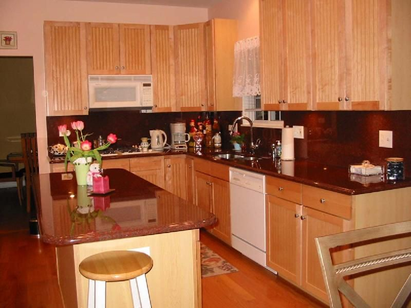 kitchen backsplash ideas with red granite countertops home rh pinterest de