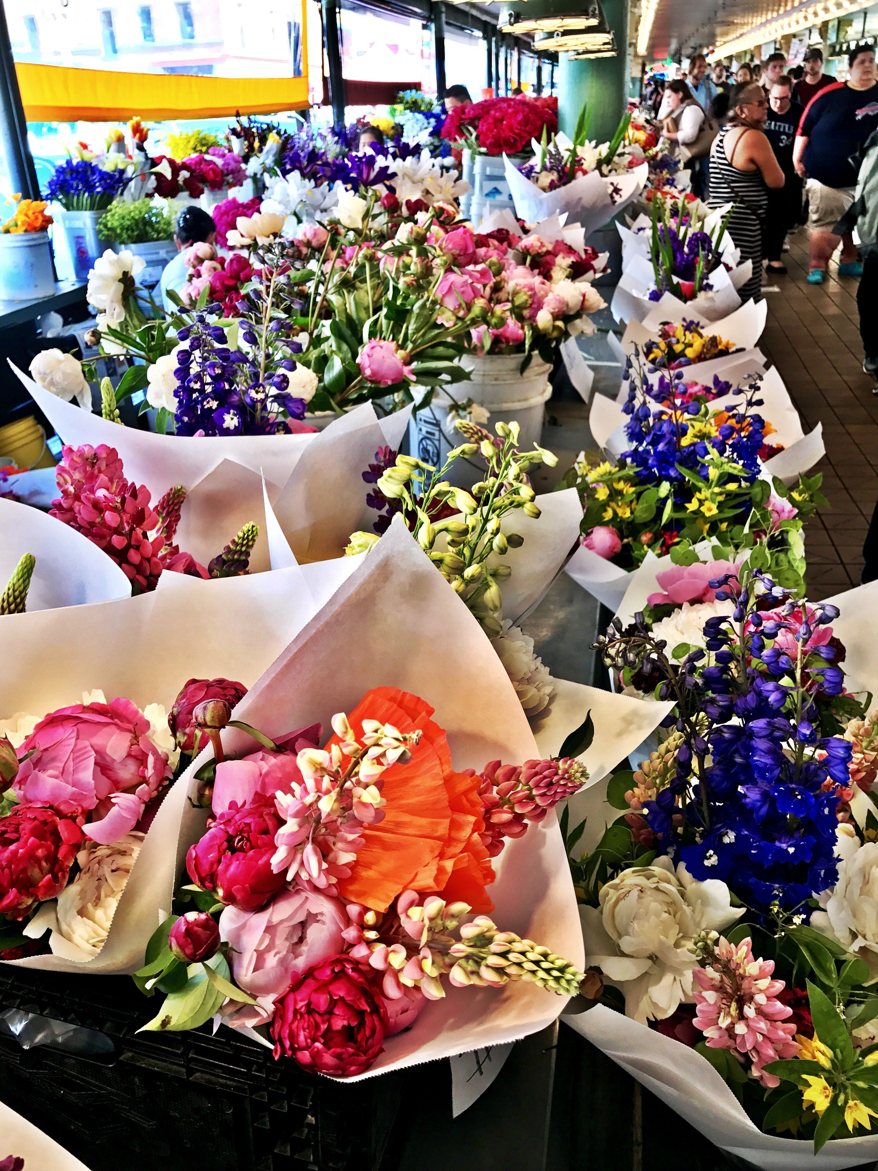 Which bouquet of flowers shall I choose