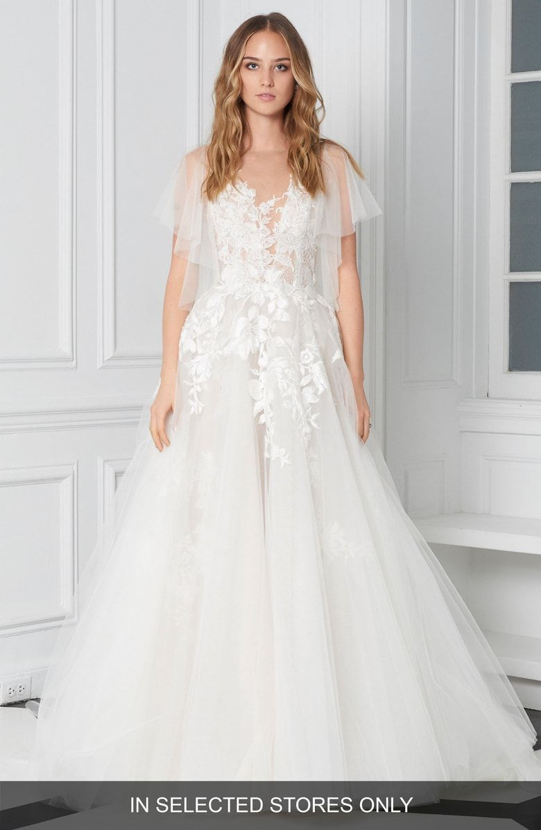 Flutter sleeve embroidered ballgown main color silk white latte