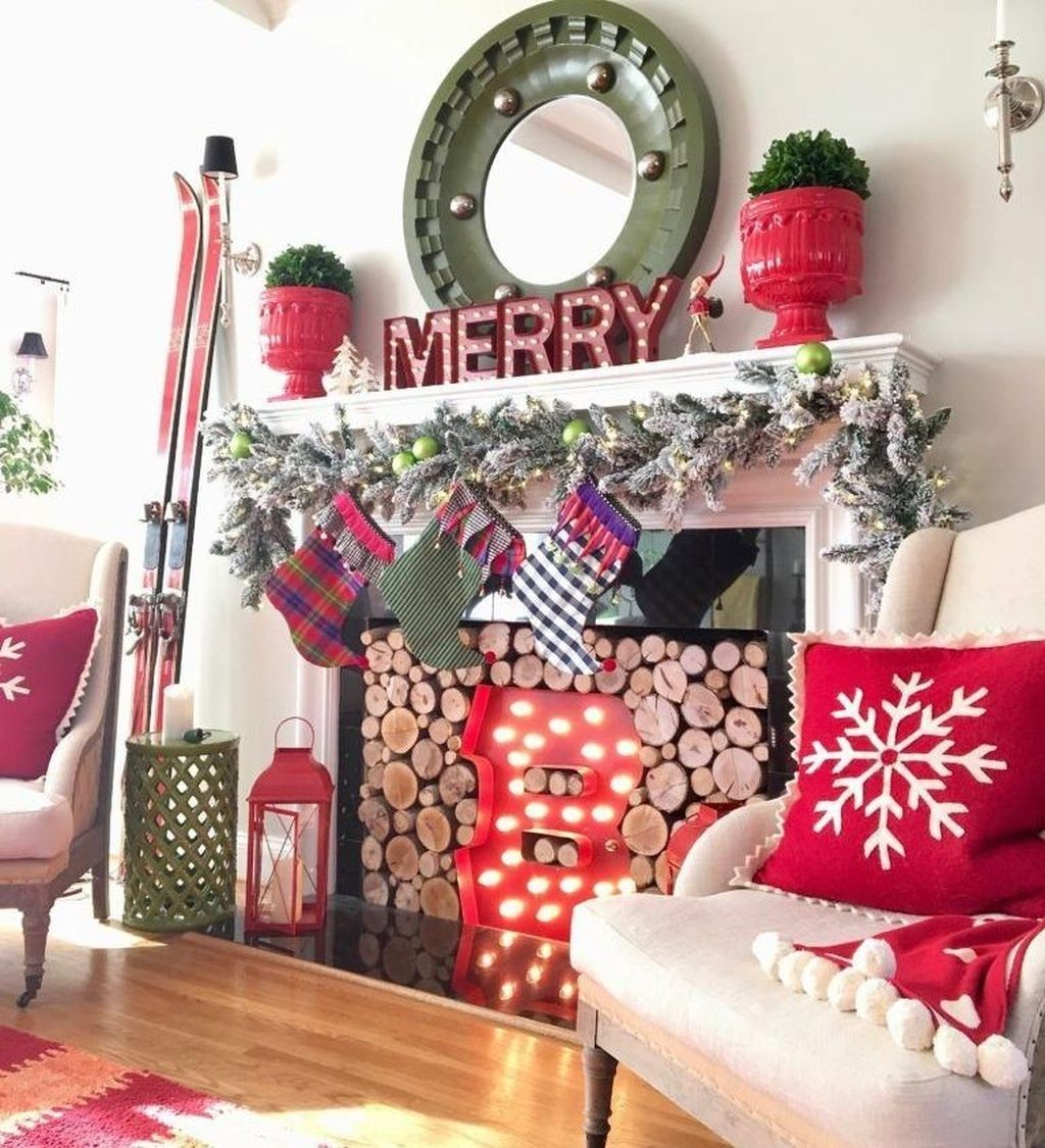 Best Ways To Decorate Your Living Room By Theme Christmas ...