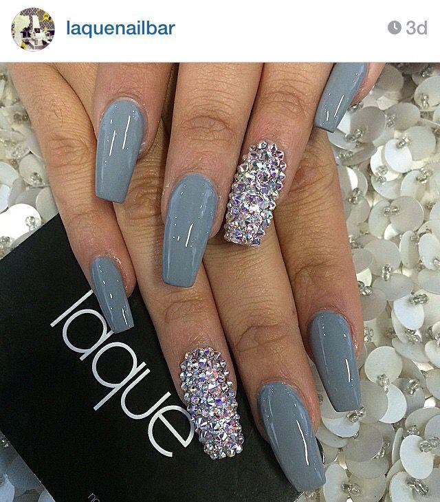 blue nails die