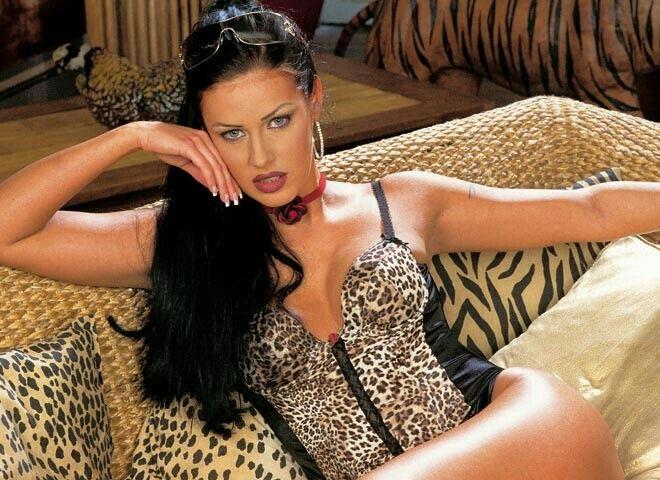 Claudia Ferrari Nude Photos 6