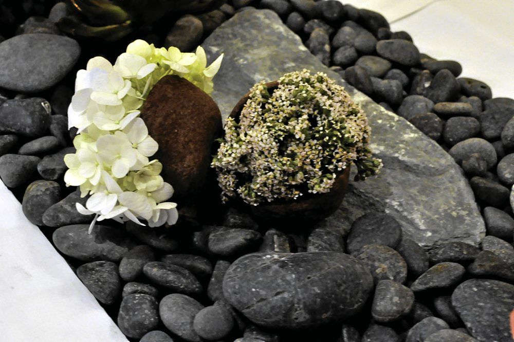 Zenas Pineda goes for native chic–lotus leaves and buds | Inquirer Lifestyle