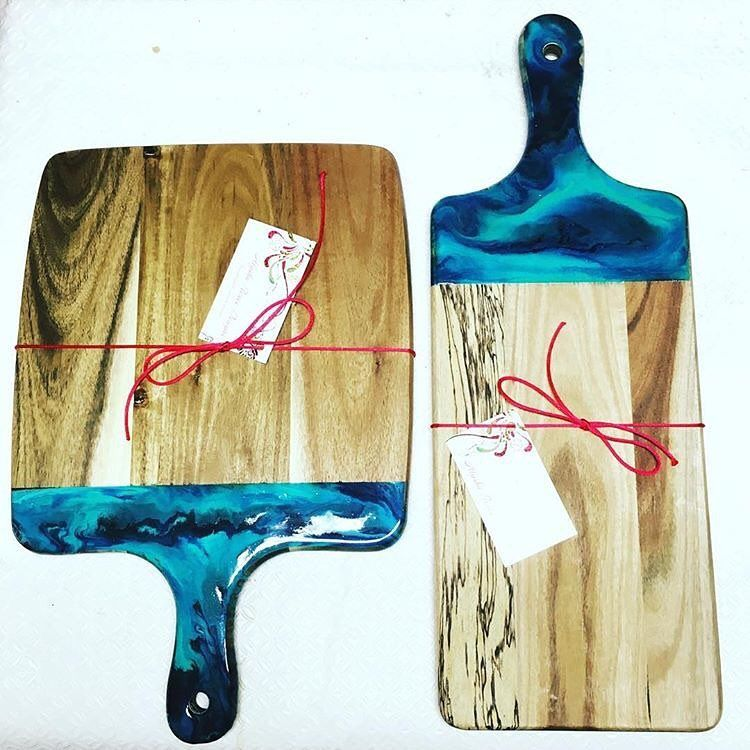How Cool Are These Resin Dipped Cheese Boards By
