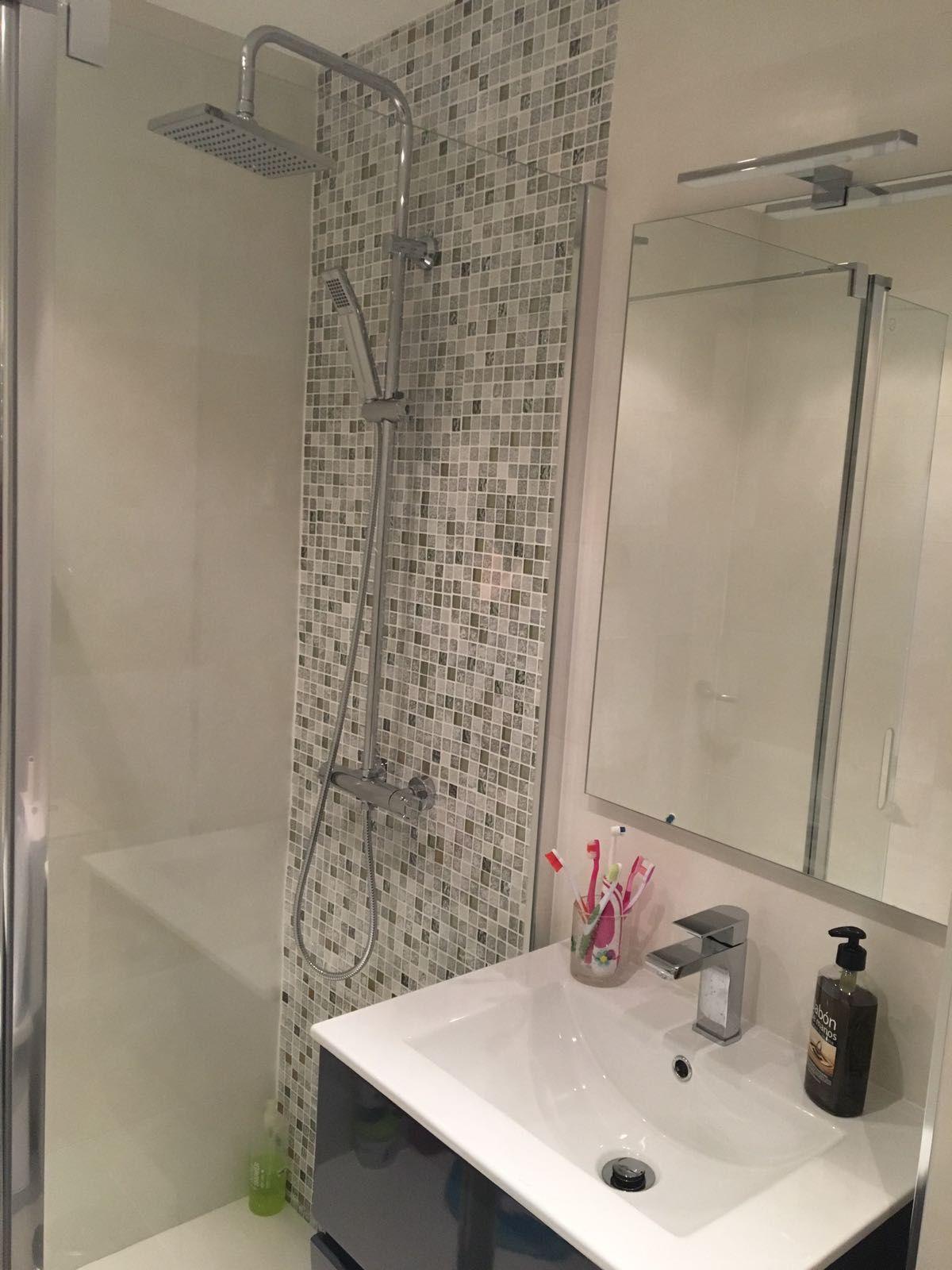5 pasos para reformar un piso con acierto ba o pinterest - Azulejos para cuartos de bano pequenos ...