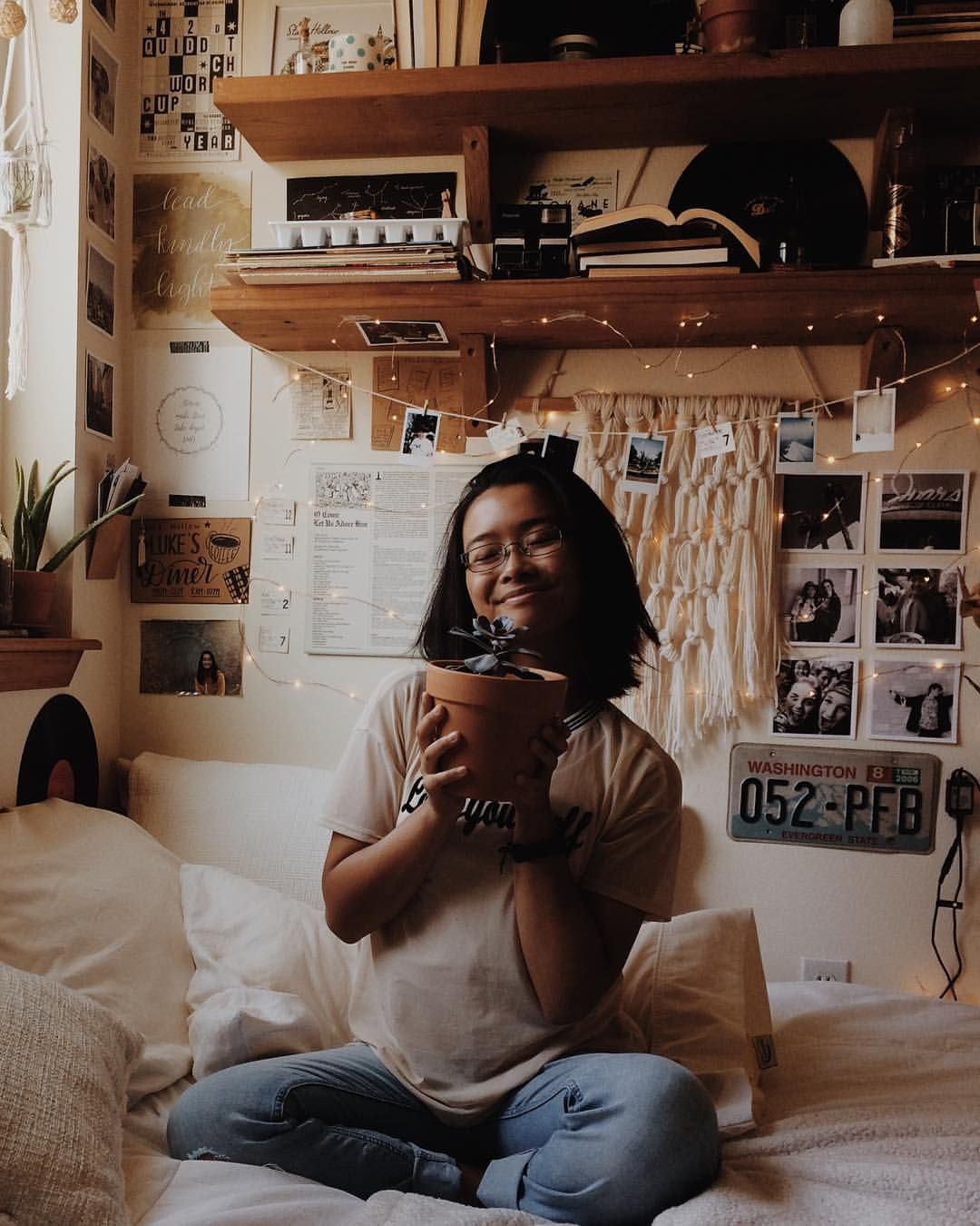 An Appreciation Post For Short Hair Succulents Holy Jeans And All The Good Things In Life Books Aesthetic Bedroom Bookworm Bedroom Room Inspiration