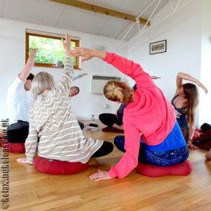 Scaravelli Inspired Yoga with Catherine Annis .... #scaravelliyoga #londonYoga #yogauk #yoga #yogauk #scaravelliinspiredyoga #yogagirl #yogini #yogalife #hathayoga