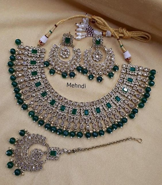 Best Bridal Jewelry Set Ideas 2020 Pakistani Pret Wear In 2020 Indian Bridal Jewelry Sets Pakistani Bridal Jewelry Bridal Jewelry Collection
