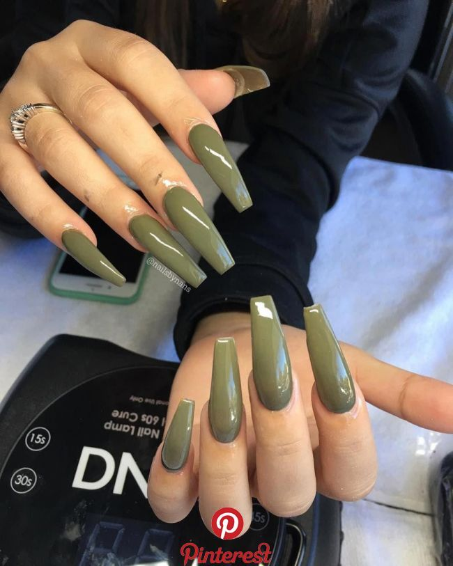 NAILS GEL OR ACRYLIC: WHAT IS THE BEST CHOICE?