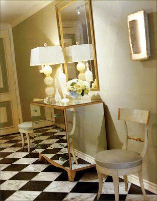 Fabulous interior designer Jan Showers decorates with vintage Murano Lamps.