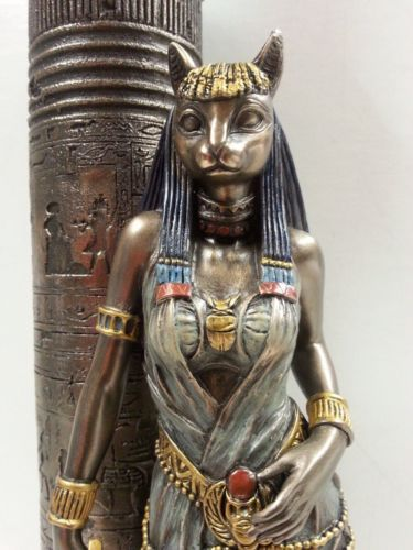 Egyptian Statue Goddess Bast Bastet Cat Leaning On Candle Pillar Wu76698a4 Dioses Egipcios Antiguo Arte Egipcio Gatos Egipcios