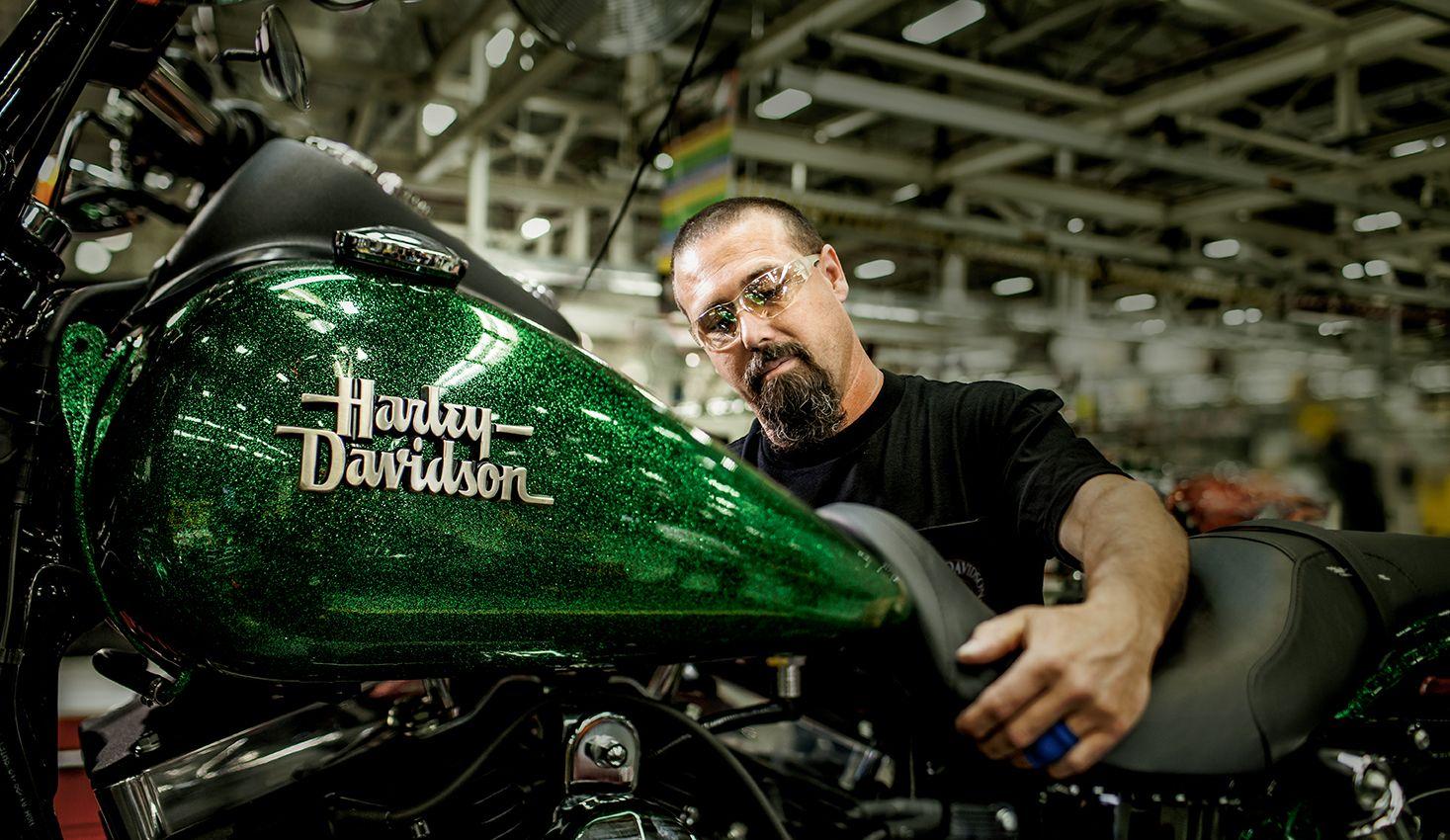 Awesome! Harley davidson, Davidson, Harley davidson street