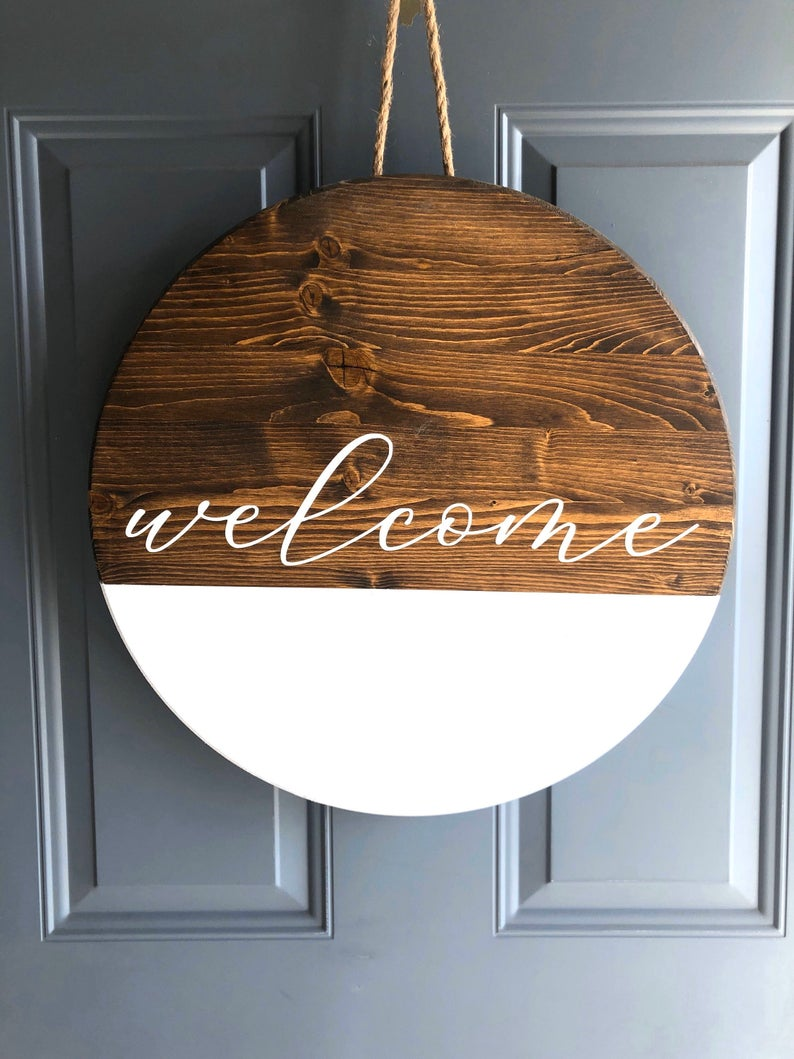 Circle welcome sign | round welcome sign | farmhouse sign | porch sign | porch decor | door sign | housewarming gift | gifts for her | wood