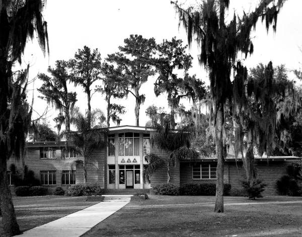 Delta Delta Delta House On Panhellenic Drive At University Of Florida Gainesville Florida Gainesville Florida Florida Florida Sunshine