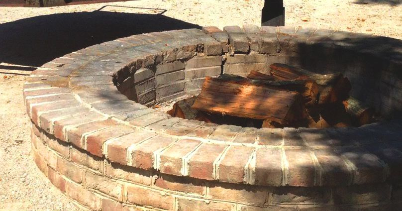 Round Brick Fire Pit Would Be Great To Install Brick Fire Pit