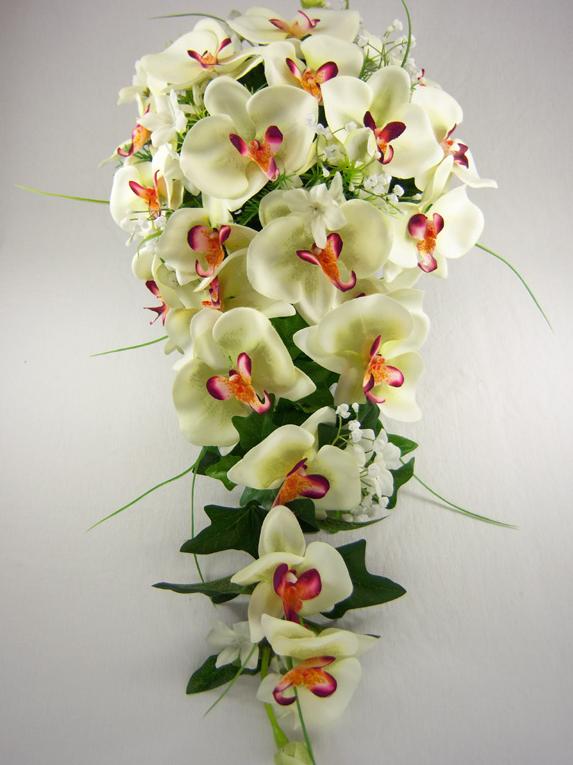 tendance bouquet de mari e en cascade tout pour mon mariage fleurs bouquet composition. Black Bedroom Furniture Sets. Home Design Ideas