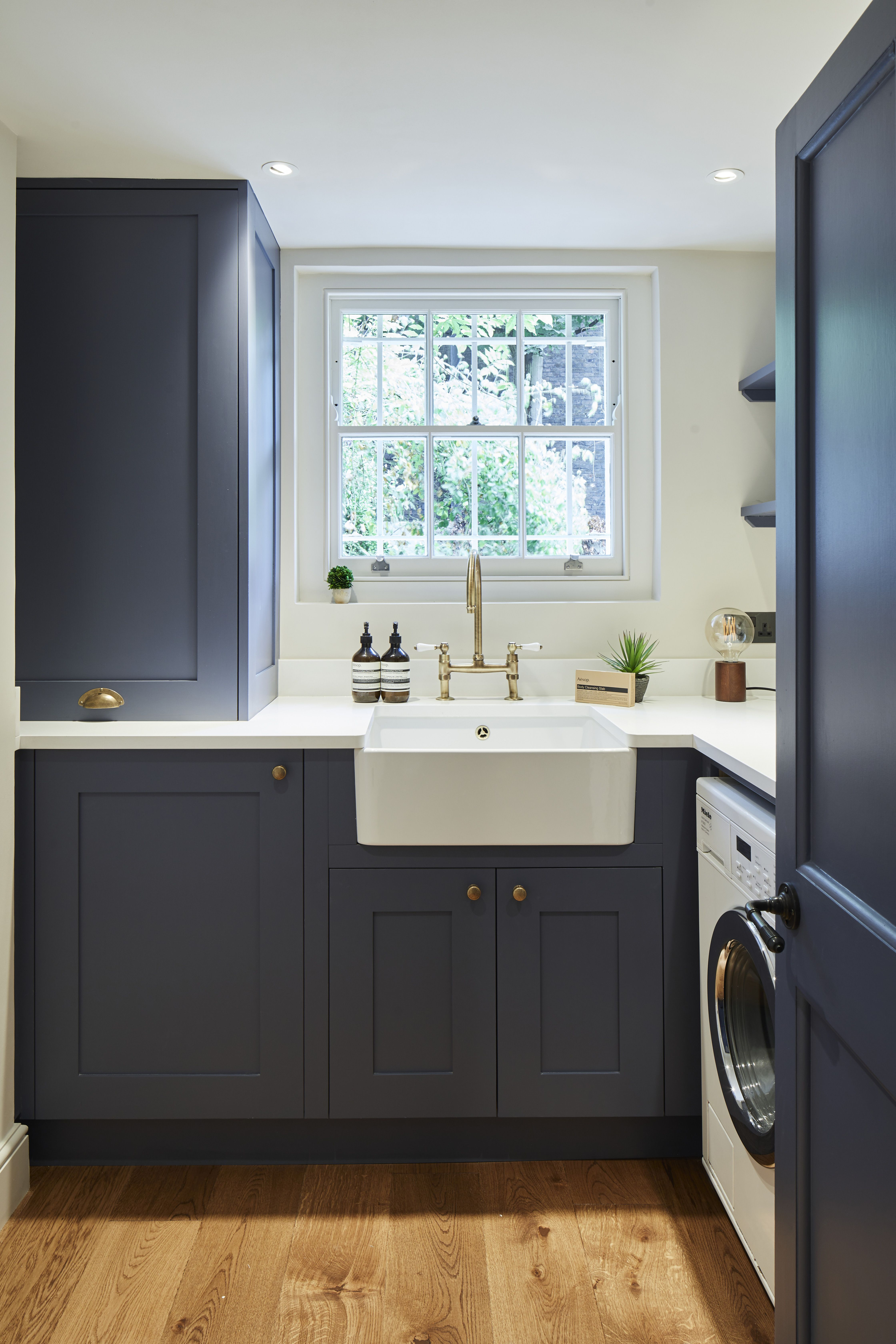 Based In The Heart Of Kensington In London The Holland Street Kitchens Team Is Used To Turnin Bespoke Kitchen Design Bespoke Kitchen Cabinets Bespoke Kitchens