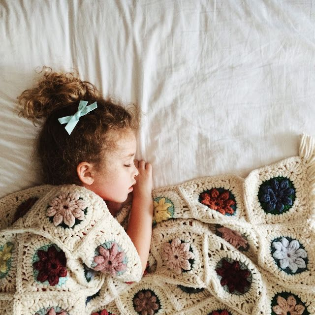 joyful four: Vintage Granny Puff Flower Blanket free #crochet ...