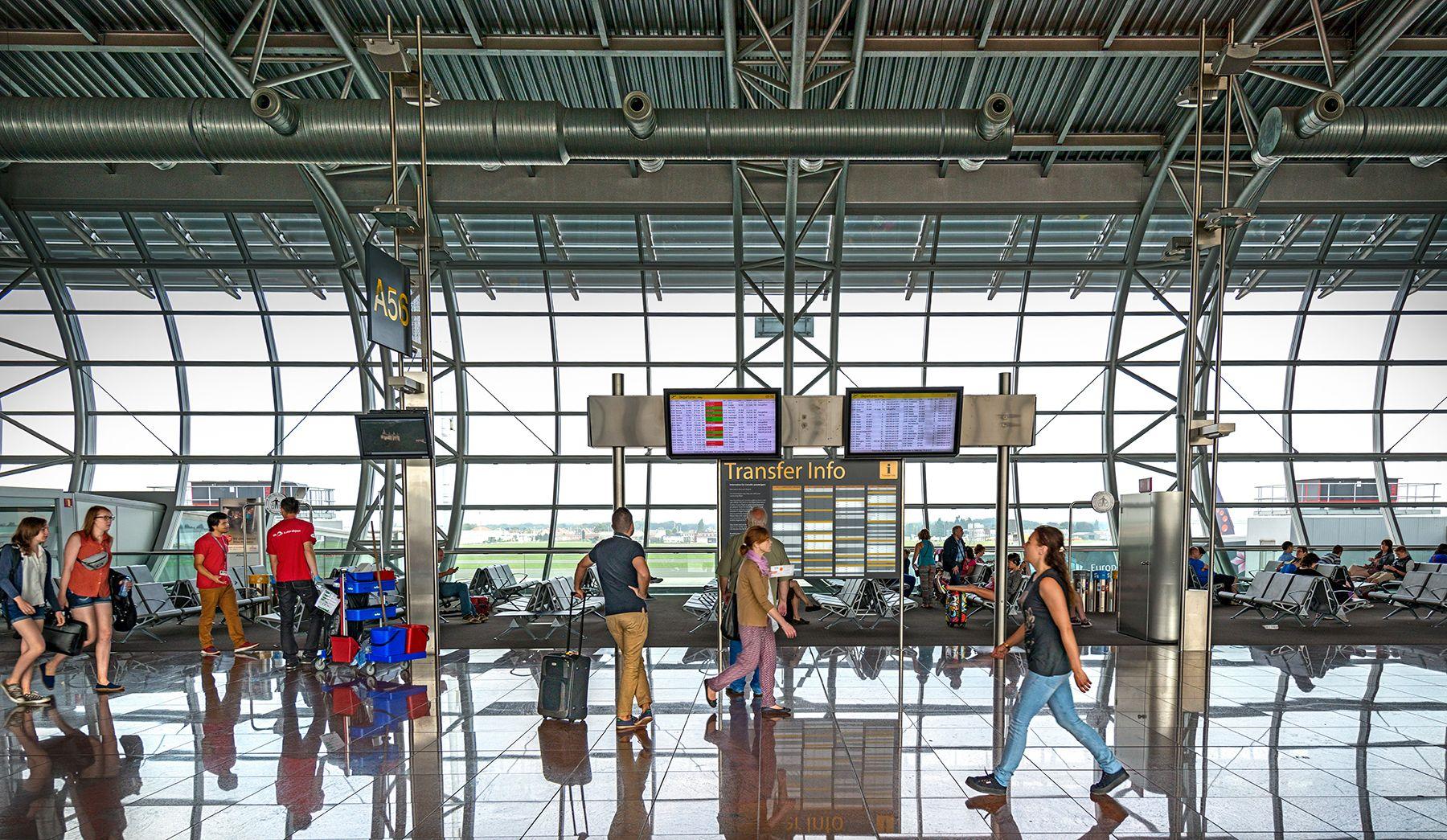 Aeropuertos 21 -la terminal-