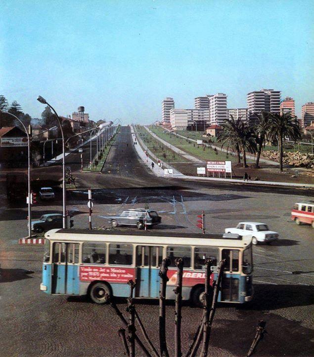 riadevigo.net Magnífica foto de Coia visto desde la Plaza de América en los años 70 (con los árboles recién plantados)