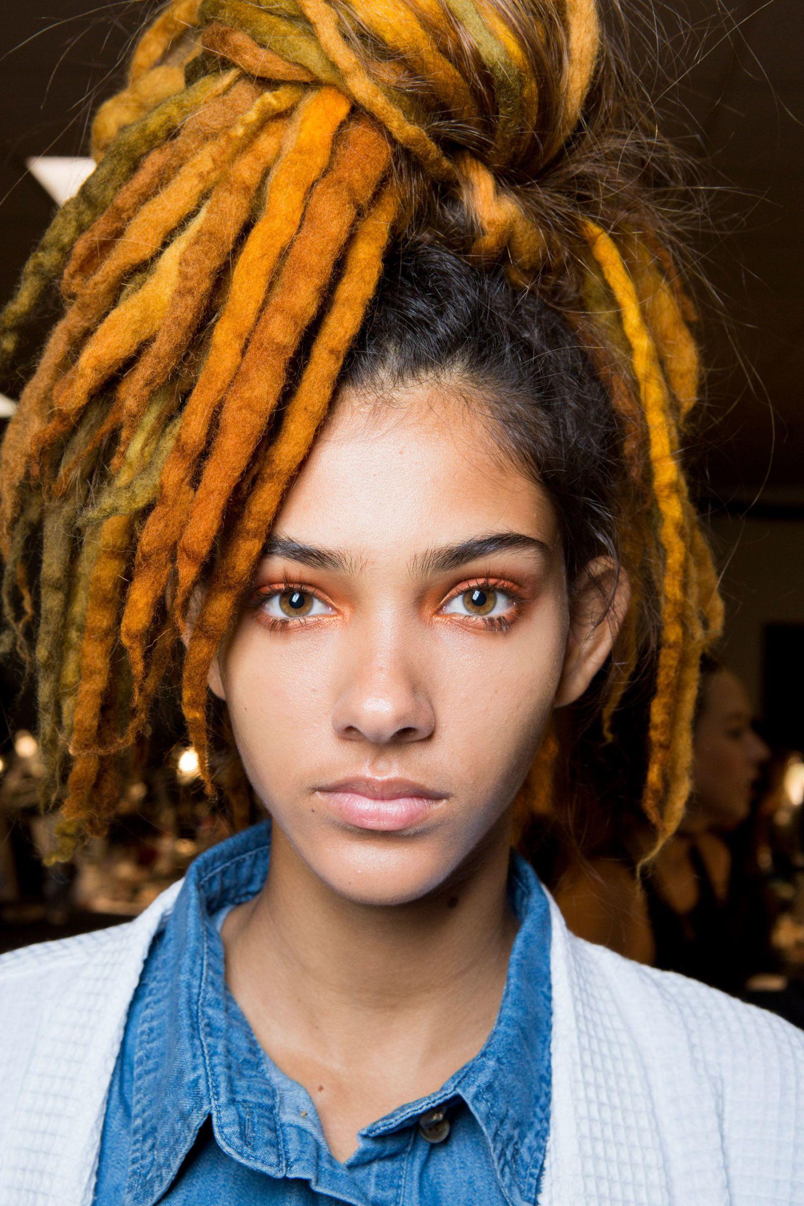 Di che colore ti piacciono i dread? Marc Jacobs li porta in passerella…