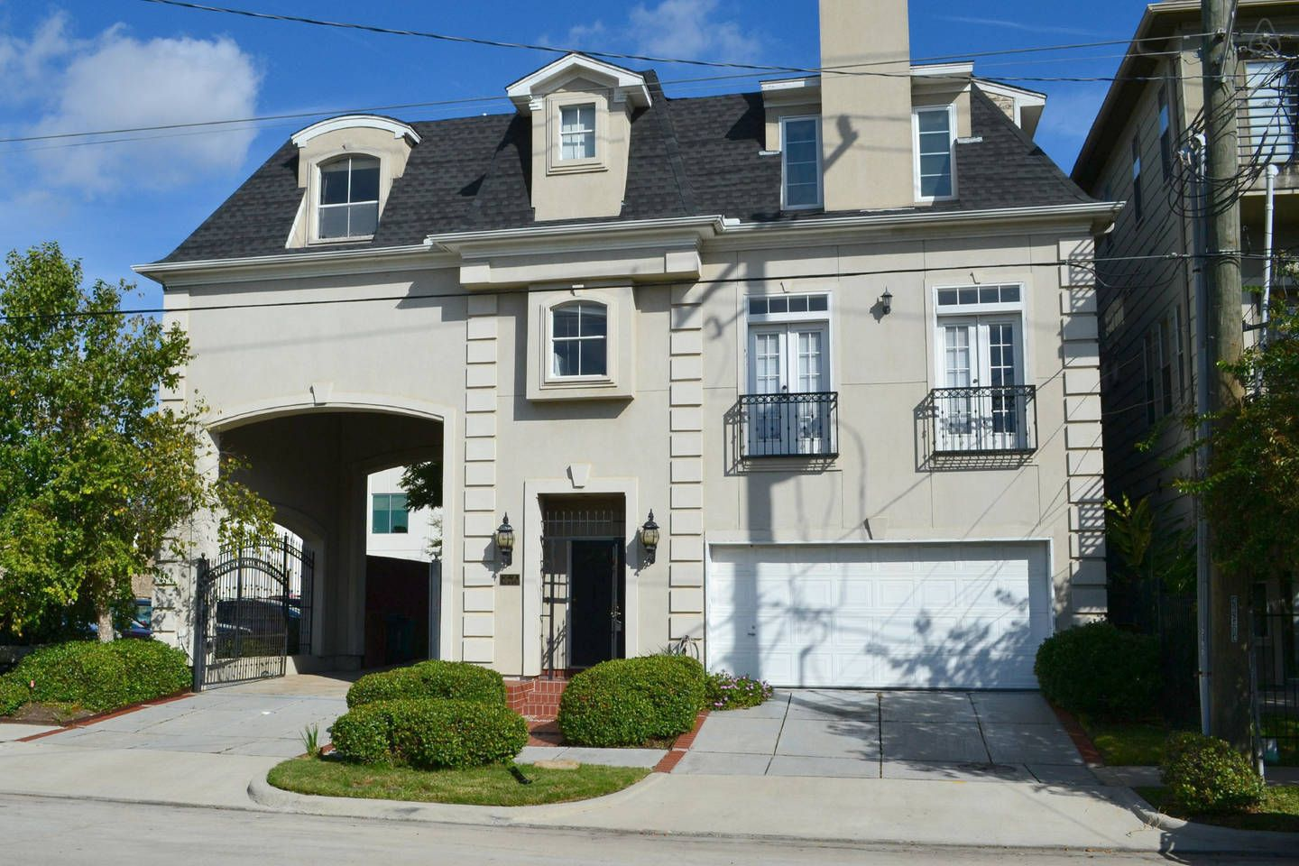 2 Bedroom Montrose Townhouse vacation rental in Houston