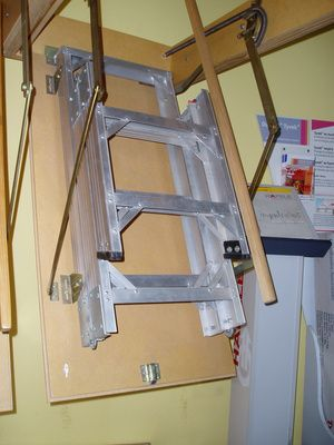 eskabo-escalera-para-altillo-escalera-para-altillo-aluminio-701355 ...