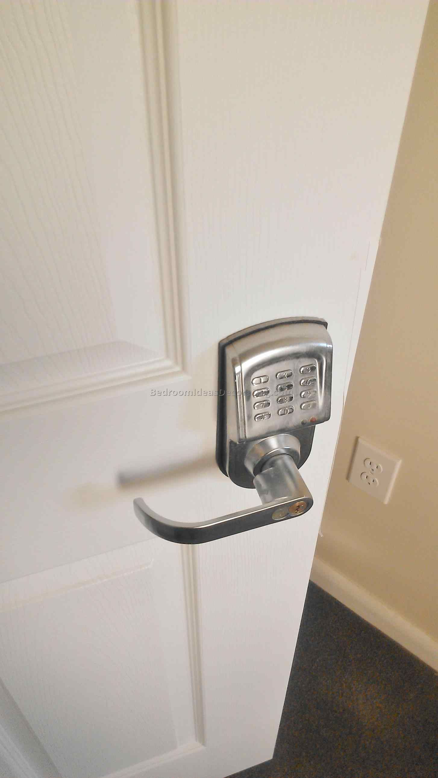 and open after youtube how Bedroom Door Lock With Key to lock room ...