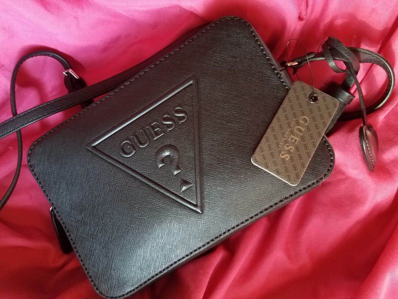 9bdfc5153b92 GUESS Black Embossed Logo Crossbody Bag Zip Top Baldwin Park Women s  Le637112
