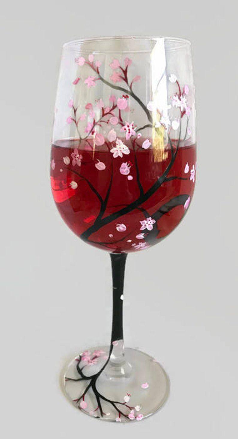Flor De Cerezo Pintado A Mano Vino Vidrio Rosa Flor Primavera Etsy Hand Painted Wine Glass Painted Wine Glass Cherry Blossom