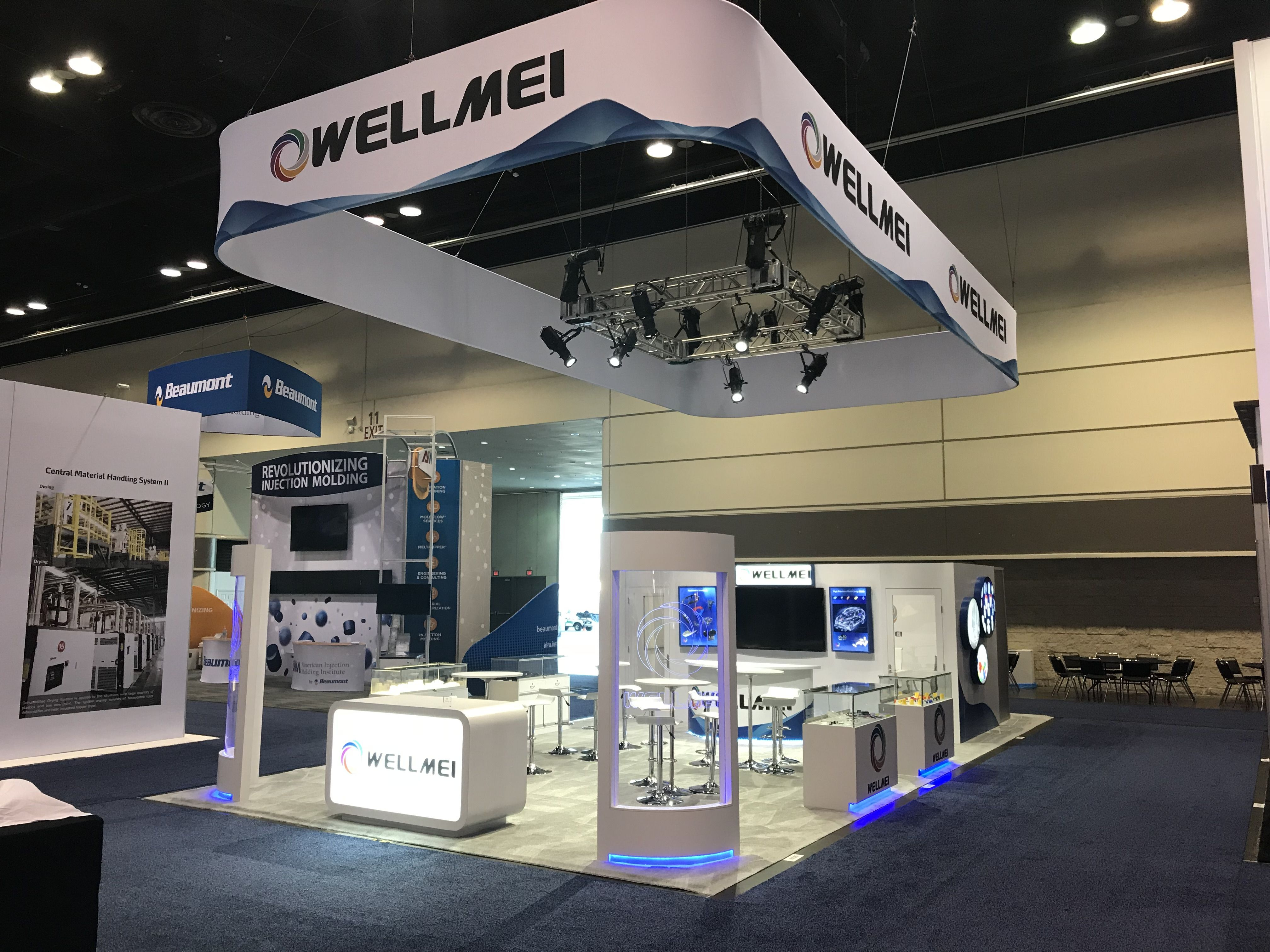 Fall Trade Shows Are Quickly Approaching Get Inspired For Your Next Event By Browsing Our Gallery Of Custom Exhibits An Tradeshow Booth Trade Show Show Booth